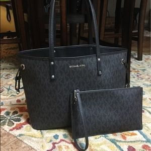 Michael Kors Large Jet Set Reversible Tote & Pouch